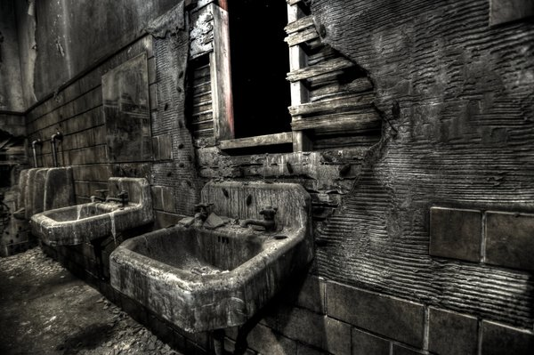 7 spooky halloween destinations that claim to have real for Haunted hotel in san diego